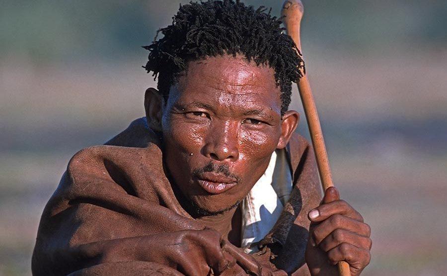 AX-Benny-Rebel-Fotoreise-Namibia-Tourismus-Bushmann