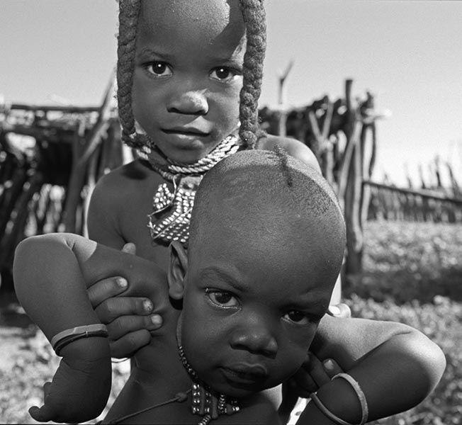 ZHz-Benny-Rebel-Fotoreise-Namibia-Tourismus-Himba