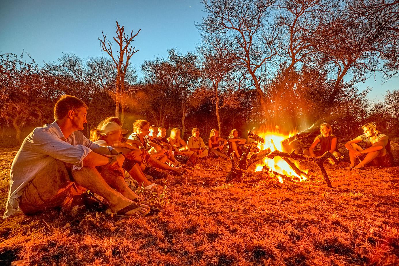 Lagerfeuer in Südafrika auf einer Fotoreise mit Benny Rebel Fotosafaris