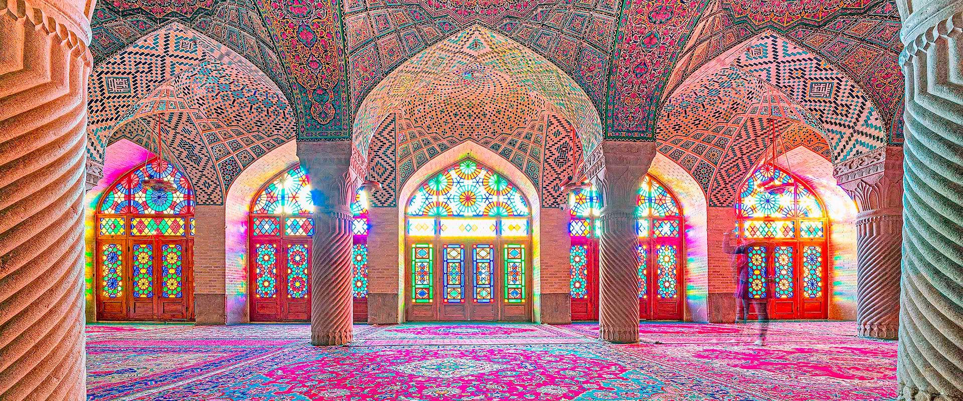 Moschee in Shiraz fotografiert auf einer Fotoreise mit Benny Rebel durch den Iran.